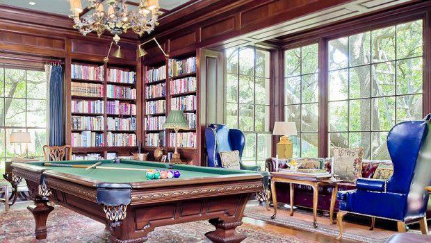 Home Of The Week A Prestigious Estate In Preston Hollow Sala De Juegos Casas Billares