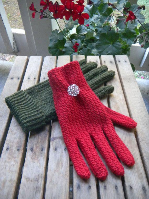 Women's Sock Yarn Gloves Crochet Pattern