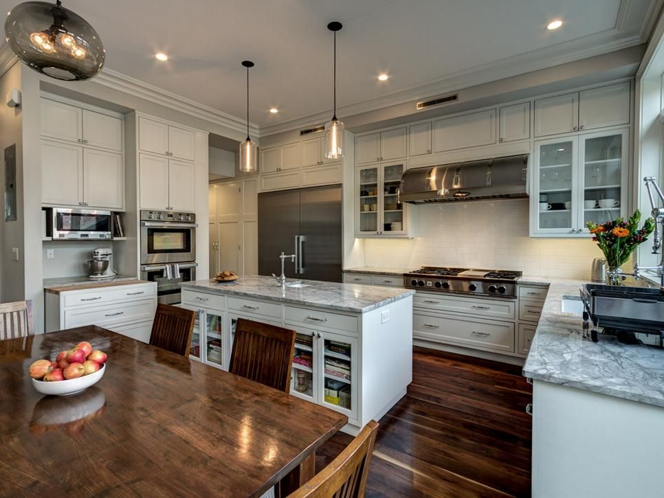 This Traditional Brooklyn Kitchen Offers Ample Storage Space With Classy Brooklyn Kitchen Design Design Ideas