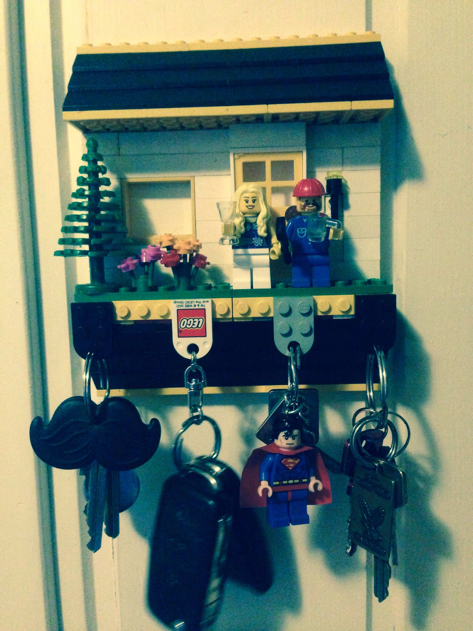 lego key holder retro theme interior pinterest wohnung gestalten flure und hilfsmittel. Black Bedroom Furniture Sets. Home Design Ideas