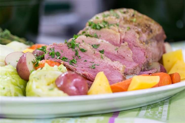 Cook A Classic On St Pattys Day Make Easy Corned Beef And Cabbage