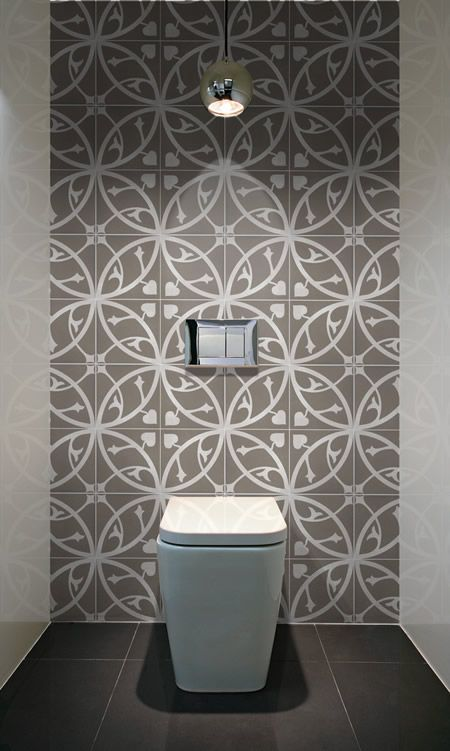 wc carreaux ciment au mur et grands carreaux neutres au sol deco toilette pinterest le. Black Bedroom Furniture Sets. Home Design Ideas