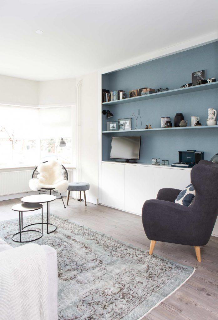 Mooi idee qua kast onder dicht en daarboven in een andere kleur planken my cup of tea - Idee kleur living ...