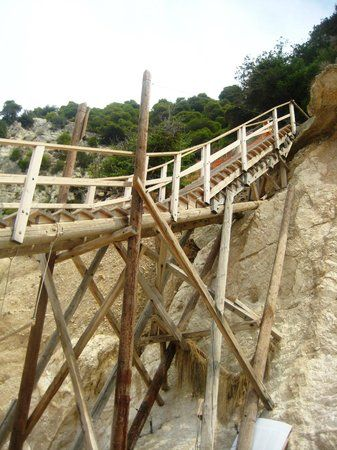 Final staircase to the beach. Impressive and really steady! :-)