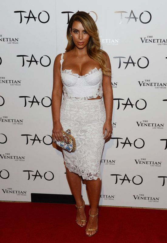 Kim Kardashian - White Lace Bustier, Matching High-Waisted Pencil Skirt & Tom Ford Chain Sandals