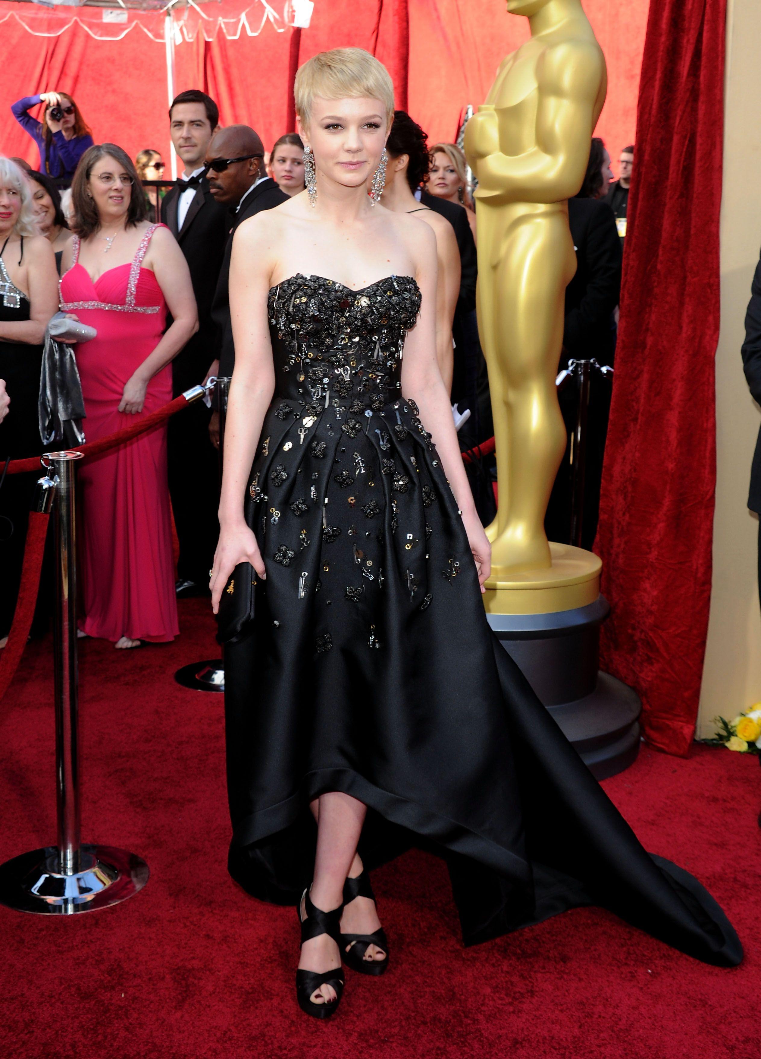 Carey Mulligan in Prada at the 2010 Oscars