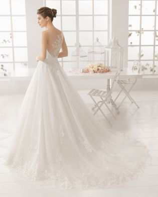 MIRIAM vestido de novia  en bordado pedreria y tul.