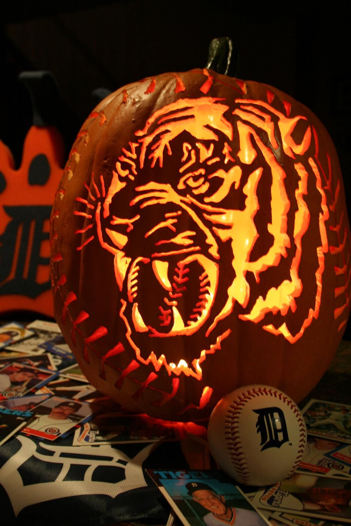 detroit tigersi was planning on doing a tigers pumpkin this year