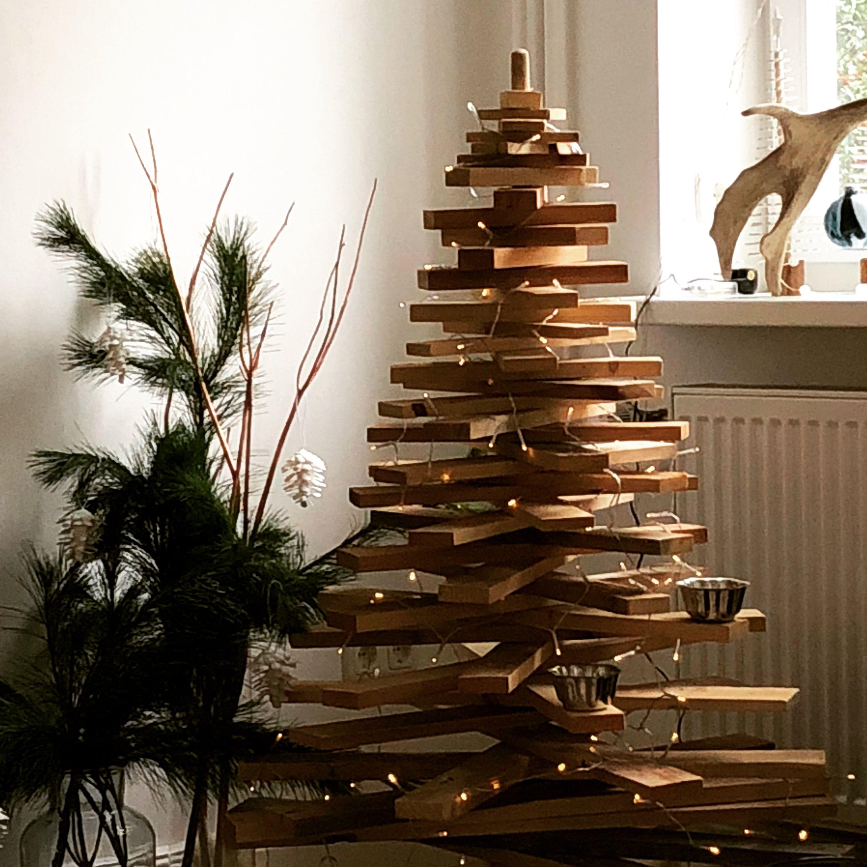holzbaum zu weihnachten christmastree decoration. Black Bedroom Furniture Sets. Home Design Ideas