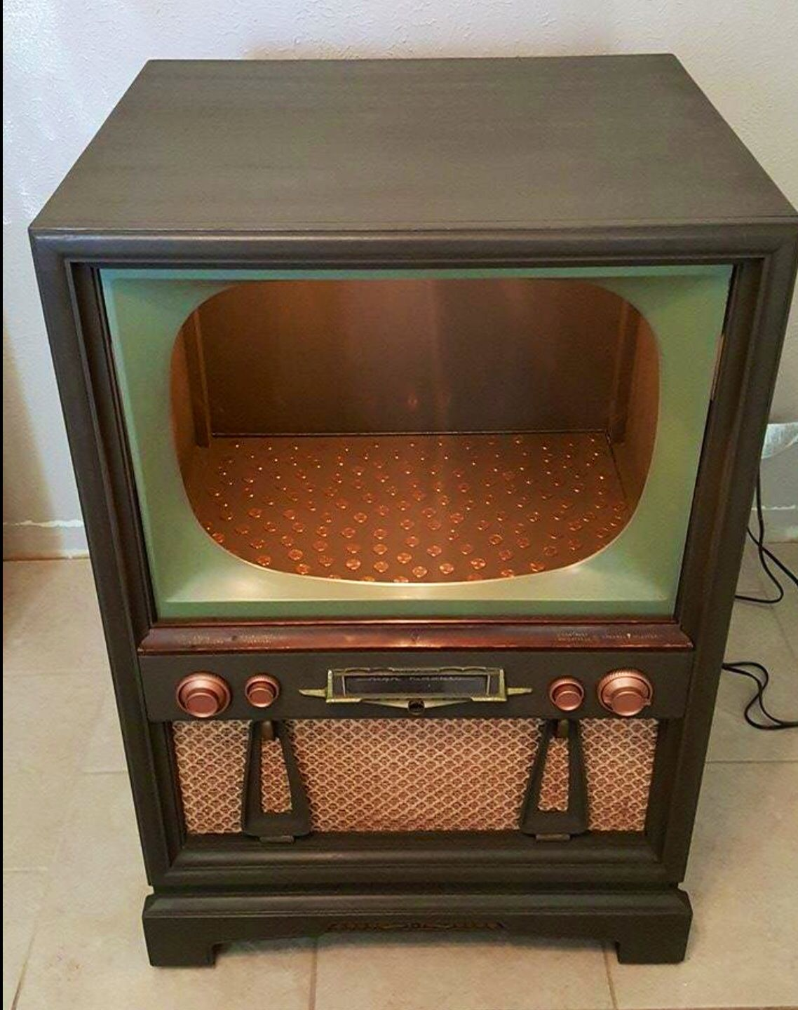 Vintage Tv Made Into A Bar This 1954 Philco Television Was A  # Etagere Vintage Plexiglas