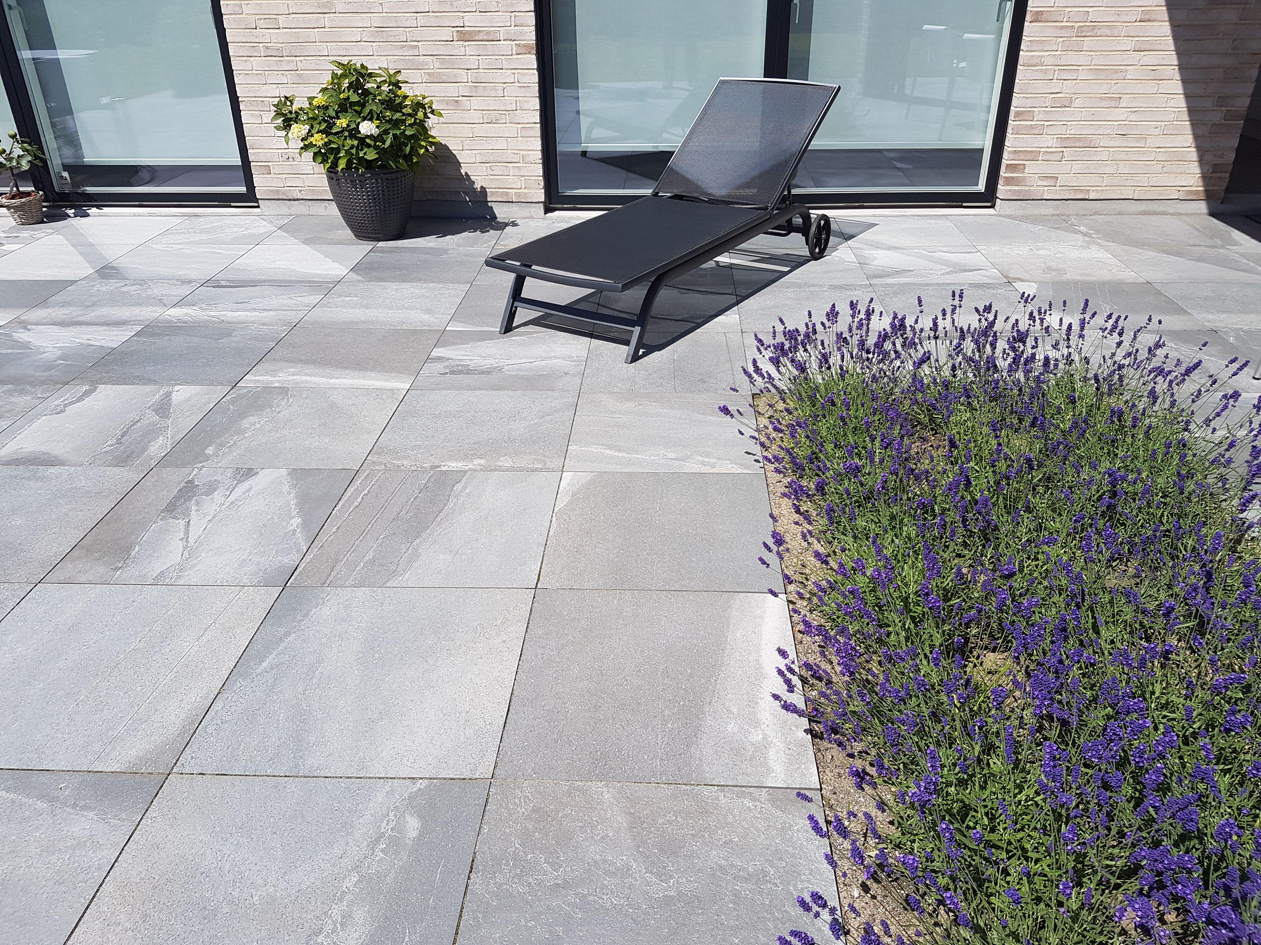 Kundefoto - Super flot terrasse med 2cm tykke keramiske fliser ...