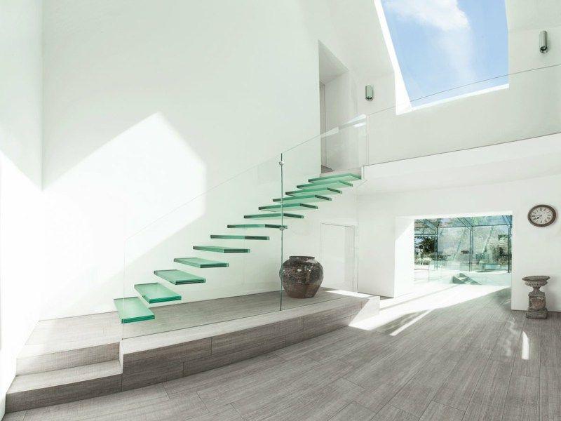 Moderne Treppe 50 beispiele für moderne treppen aus glas moderne treppe unter