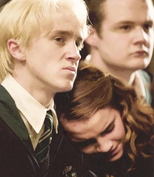 Draco Malfoy Hermione Granger Photo Dramione 3 Draco Malfoy Harry Potter Gif Tom Felton