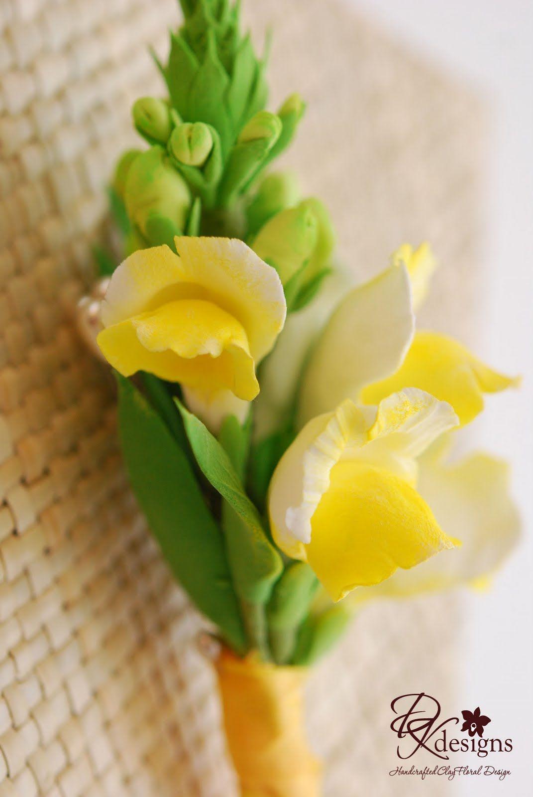 2220d66999d911 snapdragon wedding bouquets