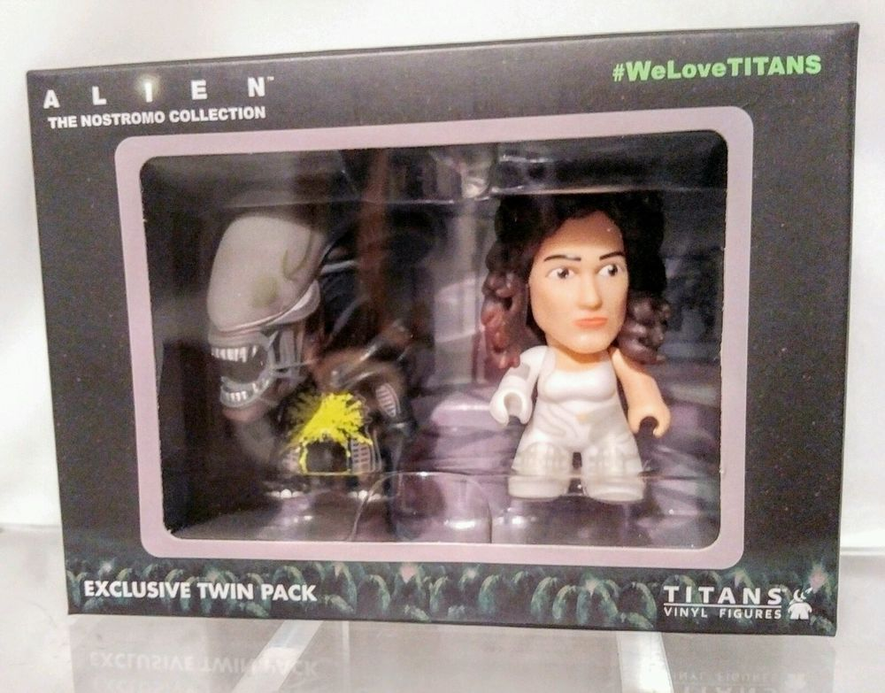 Alien The Nostromo Collection Exclusive Twin Pack Titan Vinyl Figures