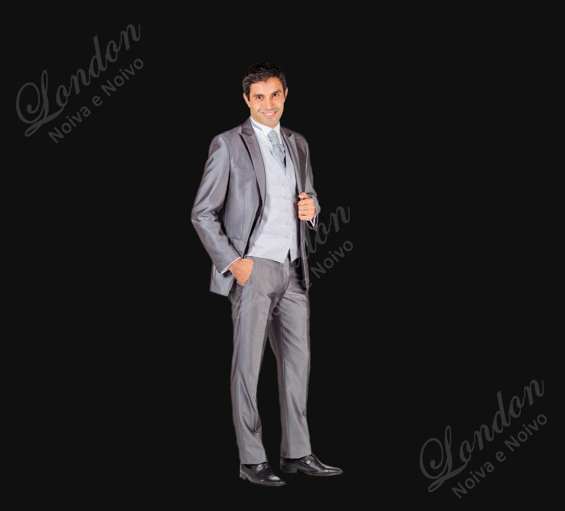 Terno Nupcial Super Slim para noivos com tórax desenvolvido.  Disponível apenas na London. Veja este e outros ternos no site www.londontrajesocial.com.br/