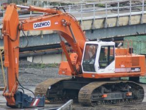Image of Daewoo-Doosan-Solar-400lc-Ⅲ-Crawler-Excavator-Service-Parts-Manual-300x225