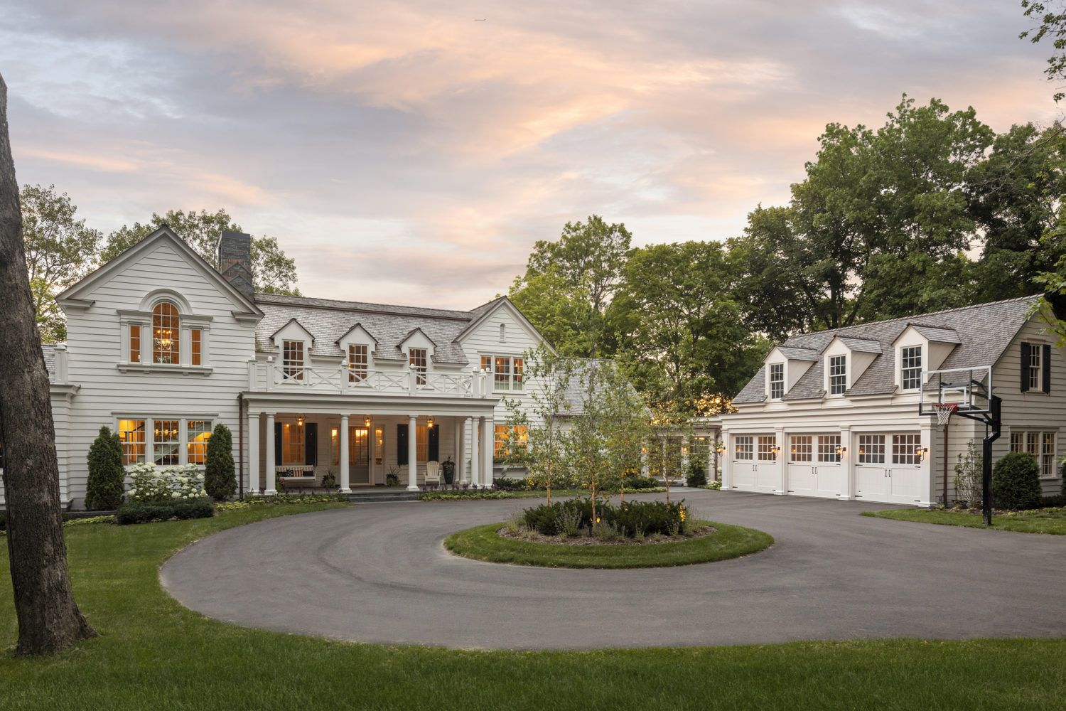 Colonial On The Bluff Murphy Co Design Garage Guest House Dream House Plans House Exterior