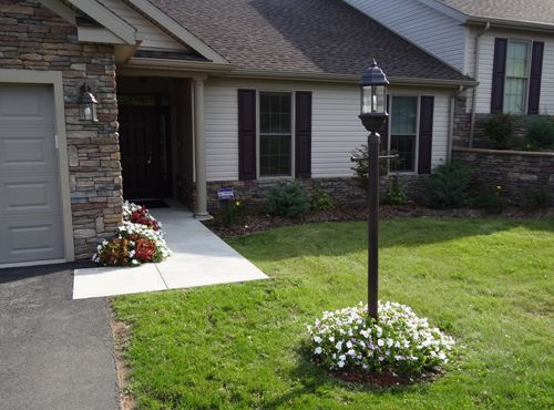 Front Yard Light Pole Lamp Gas Or Electric Texags Front Yard Lighting Yard Lights Light Post Landscaping