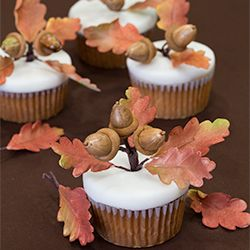 Apple cider Cupcakes with gumpaste acorns and oak leaves, a Thanksgiving treat!
