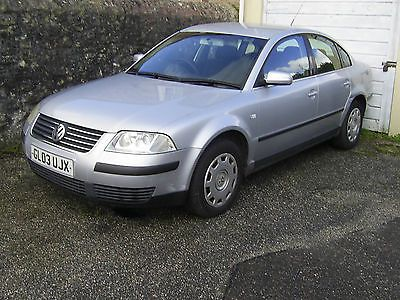 vw passat 1.9 pd tdi silver saloon 2003 spares or repair  https://t.co/LGKGbAQLof https://t.co/8fRC4ybNYe