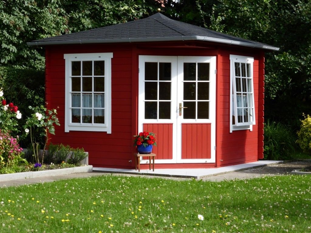 Schwedenrot & stilvoll: Die schönsten Schwedenhaus Gartenhäuser