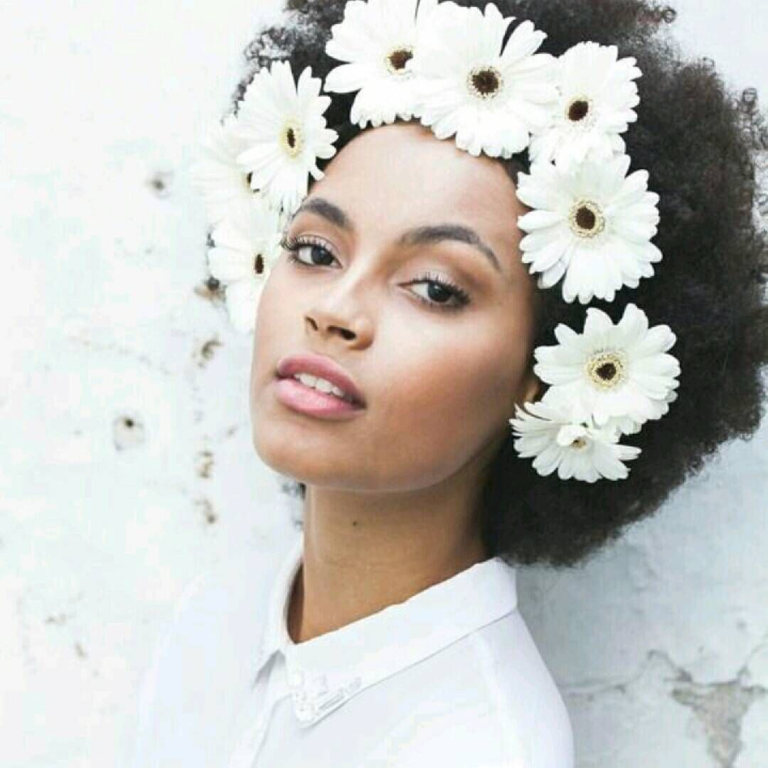 11 mentions jaime 1 commentaires beautydash beautydashbe sur model curly hair afro natural hair flower crown fro ethereal beauty flower in hair curly afro paula almeida izmirmasajfo Choice Image