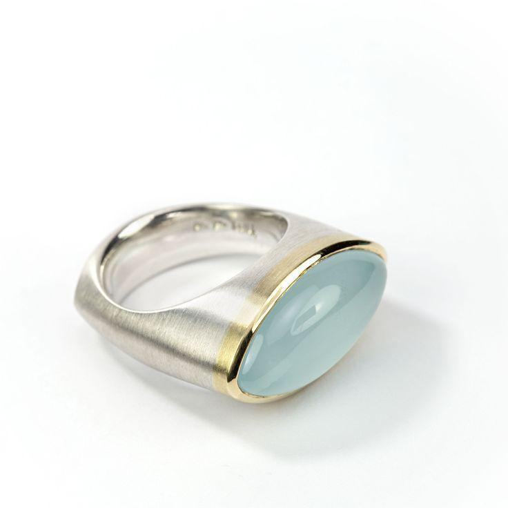 Anillo de plata esterlina, oro y aguamarina