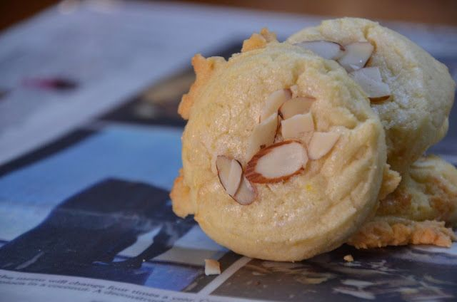 Chinese Restaurant Almond Cookies