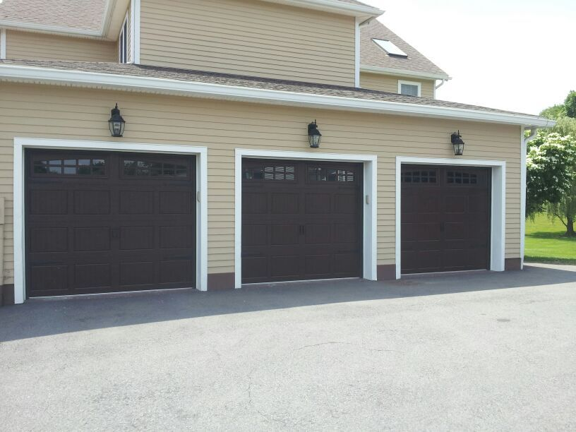 Raynor Showcase Garage Doors With The Carriage Stamp Www Dutchessoverheaddoors Com Garage Doors Raynor Garage Doors Garage Door Repair