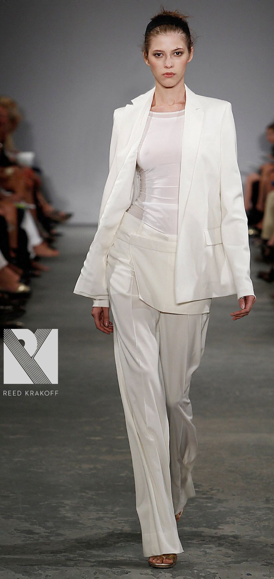 white-tailored-suit-bridal-style-trends-reed-krakoff.jpg (944×1992 ...