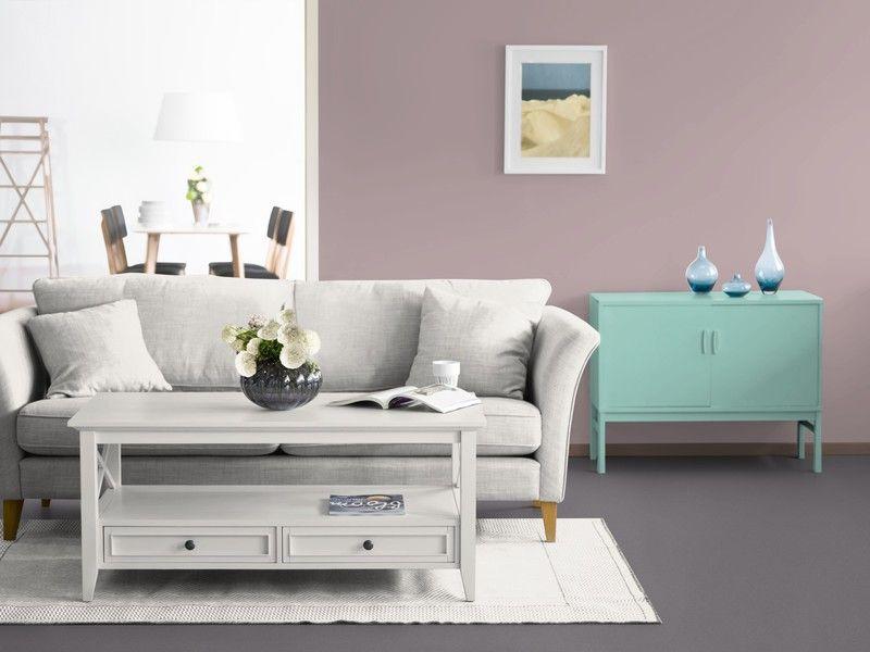 Das KOLORAT-Zimmer in Altrosa mit einer Kommode in einem frischen - wohnzimmer grau türkis