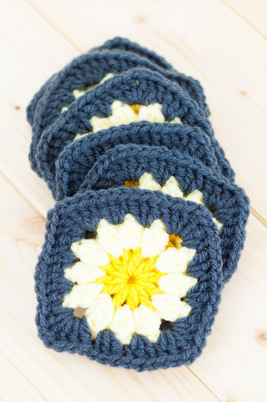 Modified Daisy Granny Square | You Should Craft