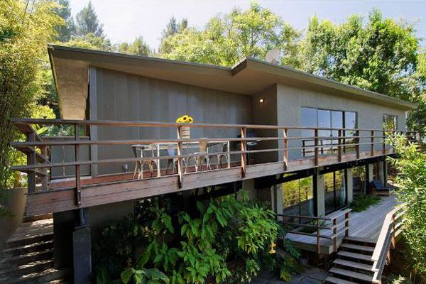 Mid century modern view home in hollywood hills decks for Modern view homes