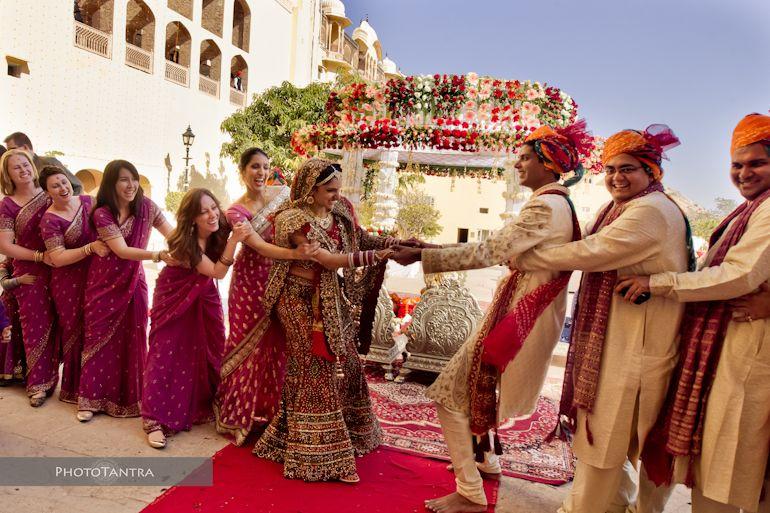 Samode Palace Wedding In Jaipur Harish And Ruchika Indian Wedding Games Indian Wedding Photography Indian Wedding Couple Photography