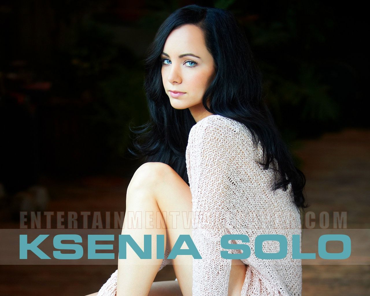 Ksenia Solo Wallpaper Bing Images Ksenia Solo Lost Girl Arm Warmers