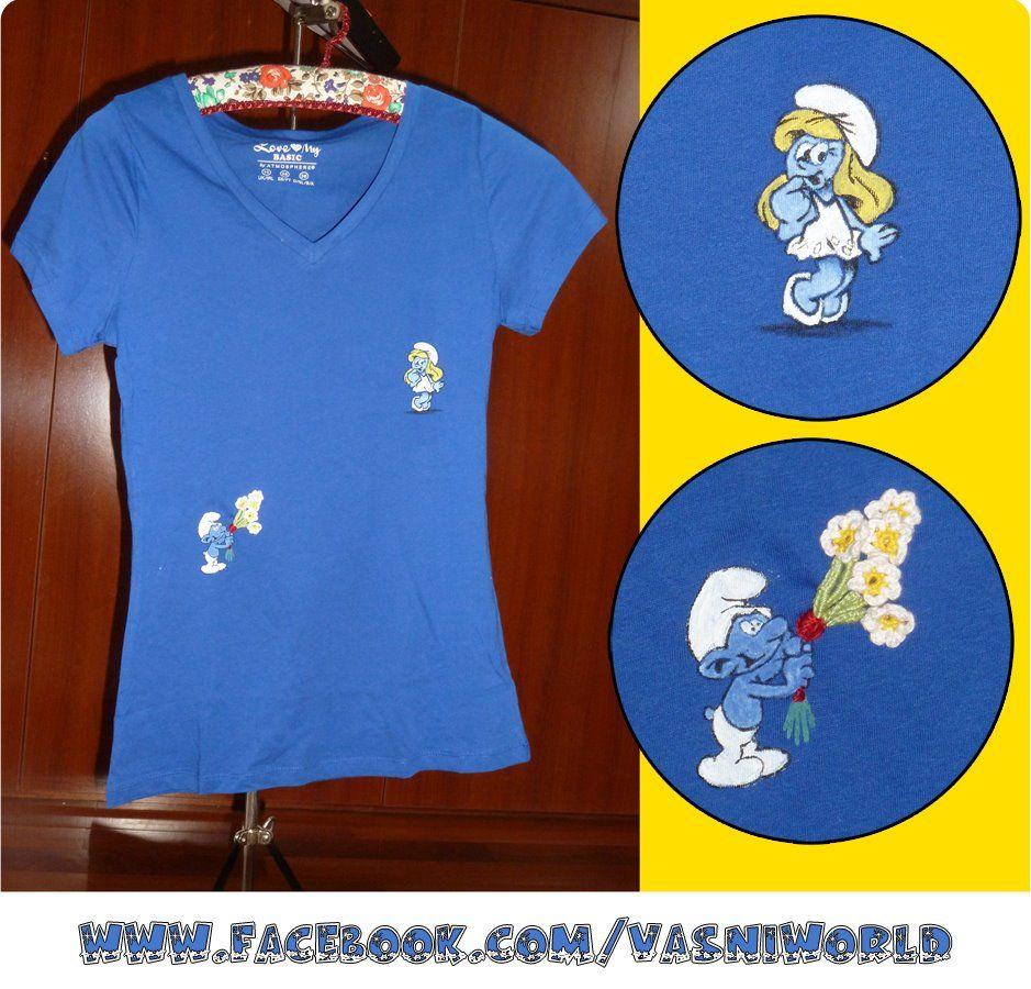 Camiseta de pitufos con detalle de flores de ganchillo.  www.facebook.com/vasniworld