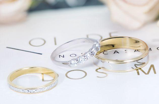 12f48474a7e4 En Argyor te enseñamos distintas maneras de cómo combinar anillos de boda.
