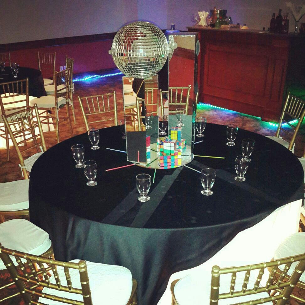 Disco party bodas y eventos pinterest disco party for 70s theme decoration ideas