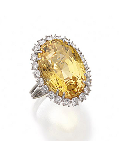 Yellow Sapphire And Diamond Ring Harry Winston The Oval Shaped Yellow Sapphire Weighing 37 87 Carats Fancy Sapphire Harry Winston Jewelry Beautiful Jewelry