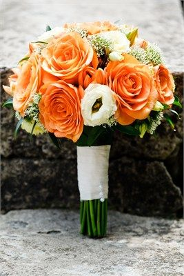 Round Bouquet Round Bouquets Can Have Bold Colors And Flowers Or