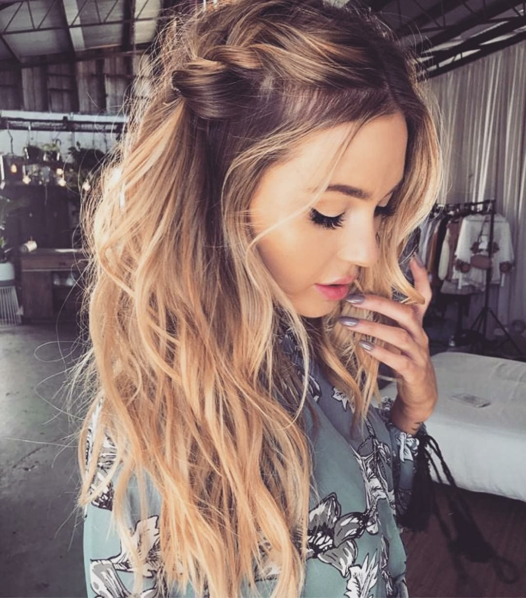 Loose side braid with messy waves