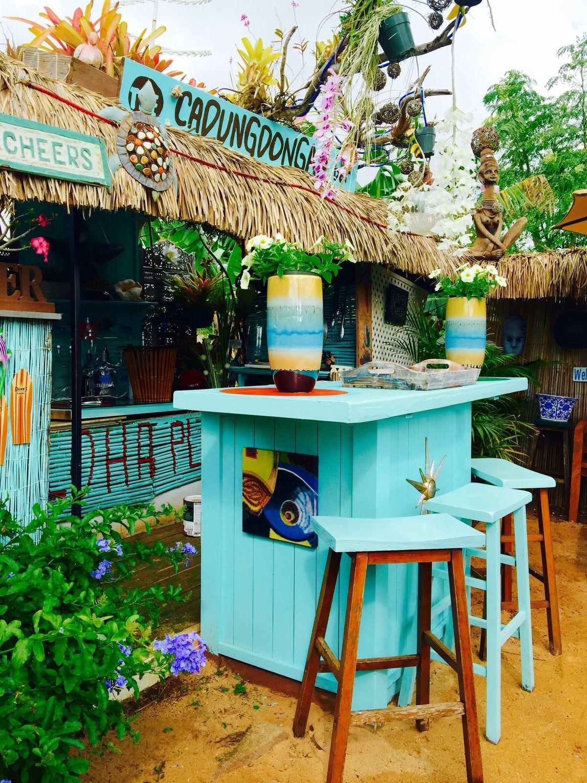 Ta Wraiotera Beach Bar Bar Restaurant Me Khpo Decor Interiors More Bar Veranda Garden Plants Blue Br Tiki Bar Decor Outdoor Tiki Bar Backyard Bar