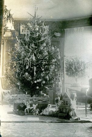 Another pinner\u0027s Great Uncle Billy Haueisen\u0027s Christmas tree ca