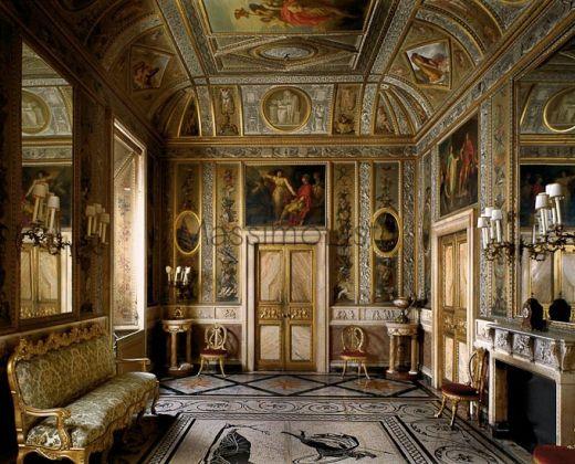 Palazzo altieri roma for Roma interior design