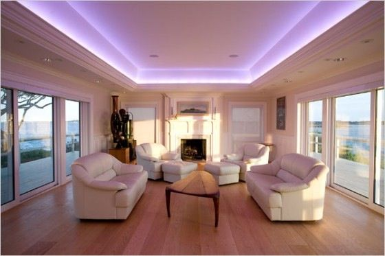 תאורה נסתרת בסלון קרניז לתאורה הנמכת תקרה באמצעות גבס