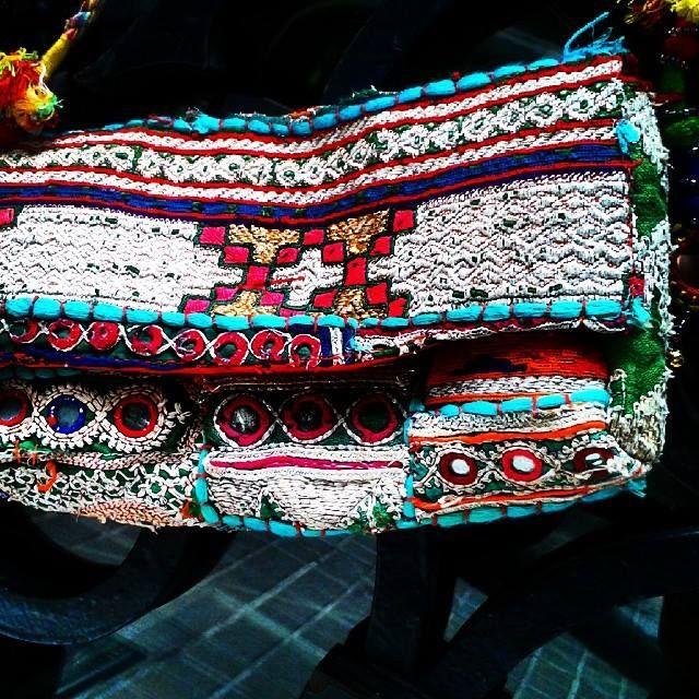 #clutch #India #hippylook #foryournextwedding #communion #verbena #party
