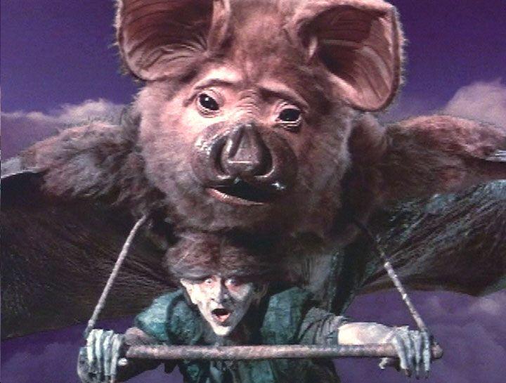 Bats In Movies 1 The Neverending Story Bat Com Imagens Pet