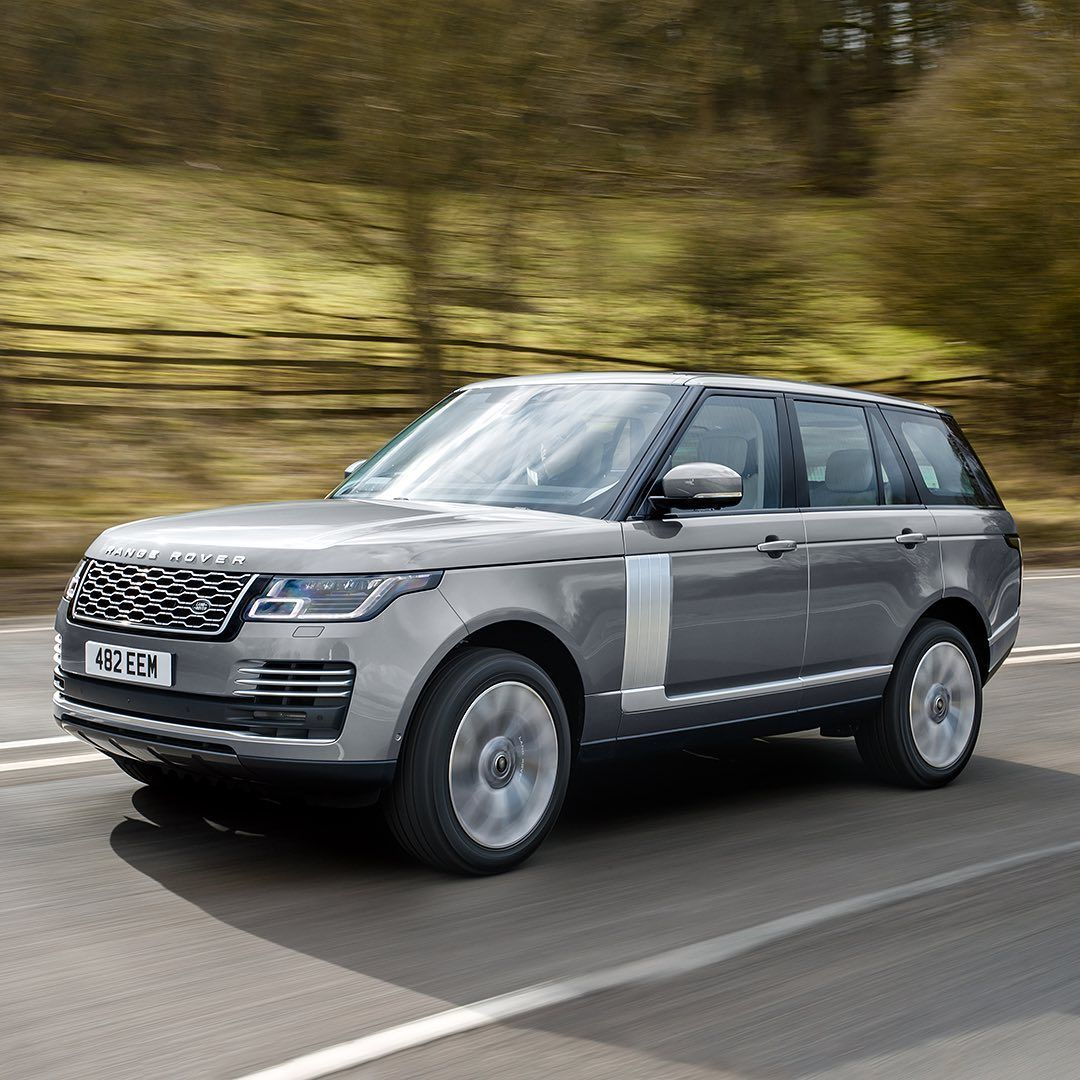Land Rover Canada On Instagram Range Rover S Iconic Design Refined And Renewed Search Range Rover Configur Range Rover Luxury Cars Range Rover Land Rover