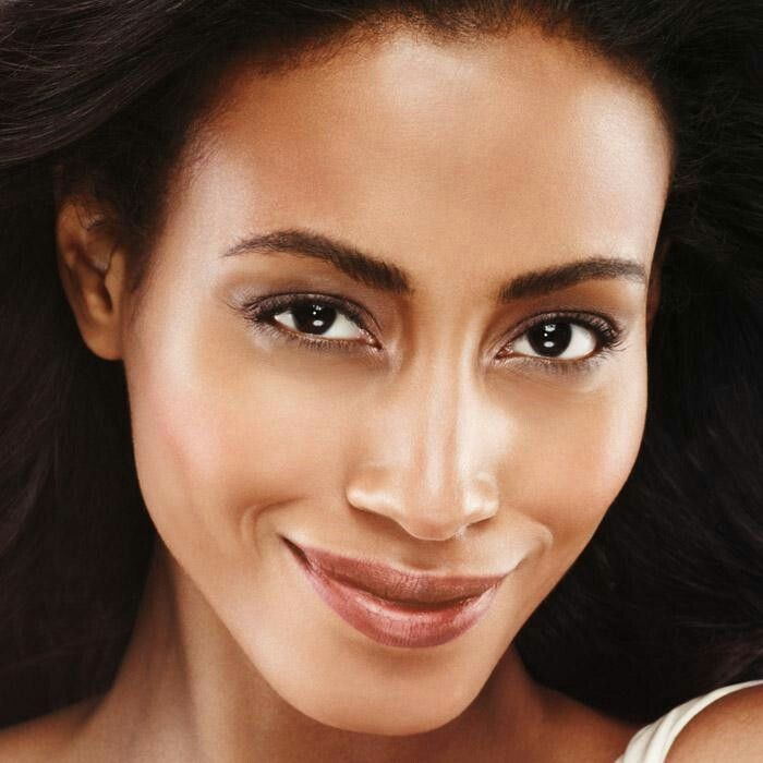 Foundation that seamlessly covers and instantly makes your skin look younger…Yes Please! ANEW Age-Transforming 2-in-1 Compact Foundation is the perfect foundation for mature skin. Infused with Anew Serum anti-aging technology, it hides age spots and sun damage while helping your skin fight aging.